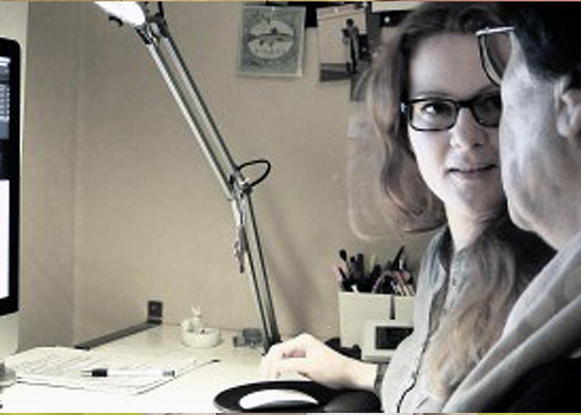 """Astrid van Calker, Grafikdesignerin, ist von Anfang an dabei und gehört schon fast zum """"Inventar"""" der Agentur für Bildbiographien."""